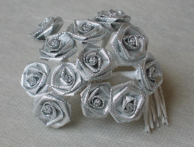 12 kleinen rosen silber lurex partydeko und g nstige. Black Bedroom Furniture Sets. Home Design Ideas