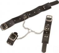 Halskette mit Handschellen mit Erwachsenen