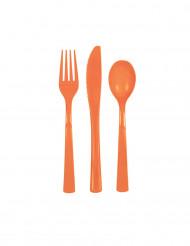 Orangefarbenes Kunststoffbesteck