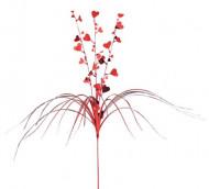 Rote Wasserfall-Deko mit Herzen und Palmwedel