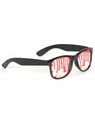 Brille mit Blutflecken