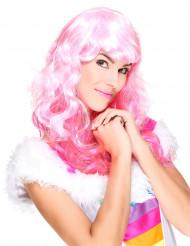 Glamourös mit rosafarbener Perücke