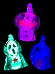 Leuchtender Anhänger für Halloween bunt