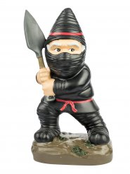 Witziger Ninja-Gartenzwerg schwarz 9x13x23 cm