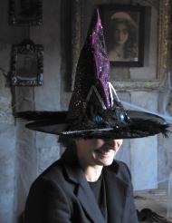 Stilvoller Hexenhut für Erwachsene Katze Halloween-Accessoire schwarz-bunt