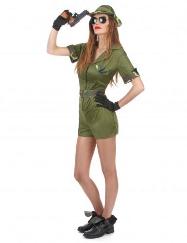 Ein Militärkostüm für Frauen-1