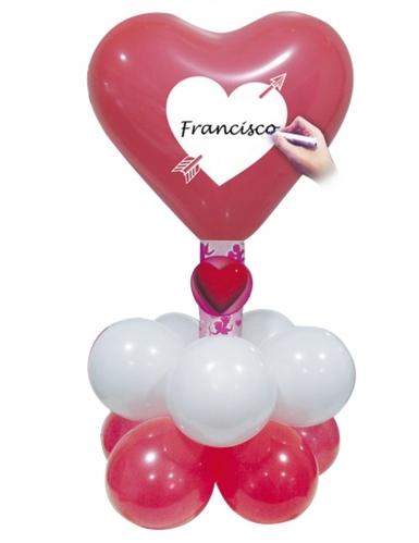Set aus Luftballons - weiße Kugeln und rote Herzen