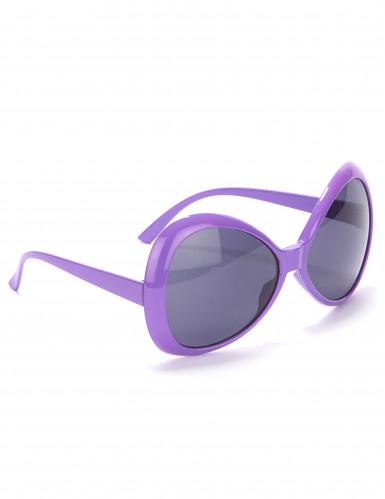 Lilafarbene Brille im Disco-Look der 70er