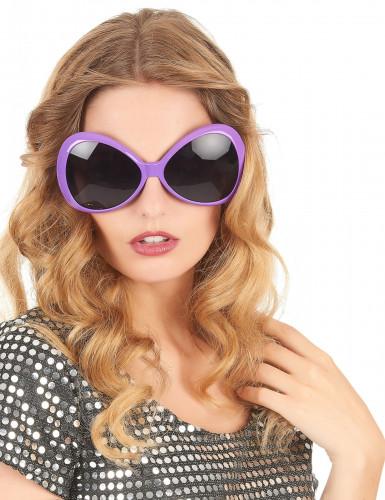 Lilafarbene Brille im Disco-Look der 70er-1