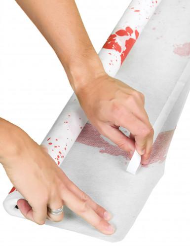 Weißer blutverschmierter Teppich-1
